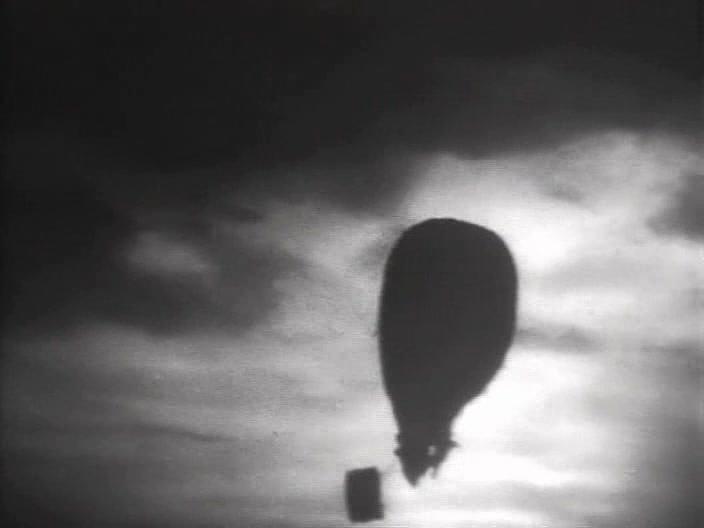 Полет на взозушном шаре (Таинственный остров, 1941 г.)
