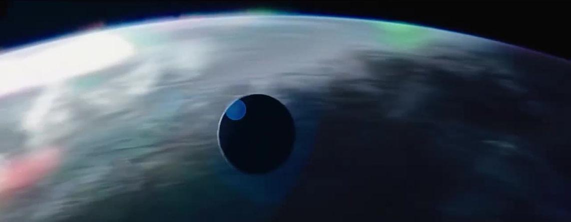 """Катер разведчиков-переселенцев отправляется на Новый Свет, """"Поступь хаоса"""", кадр из трейлера"""