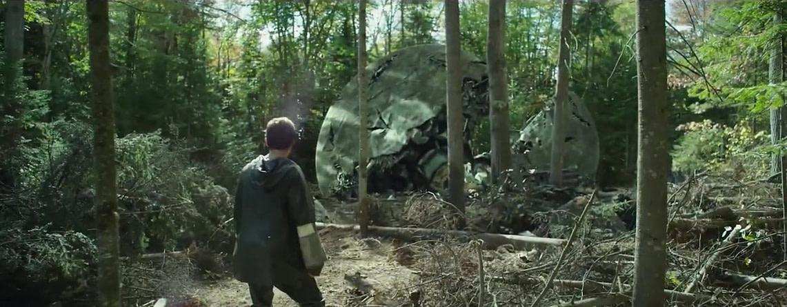 """Тодд Хьюит у разбитой капсулы переселенцев, """"Поступь хаоса"""", кадр из трейлера"""